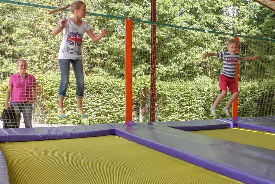 Overdekte trampoline